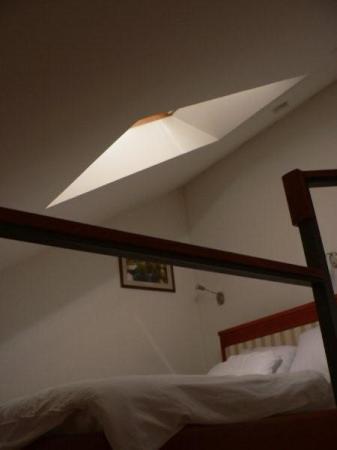 Hotel Le Petit Piaf : St Germain Room (upper floor of duplex)