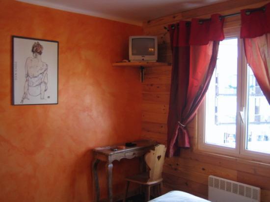 Hotel De La Poste- Font-Romeu : Room