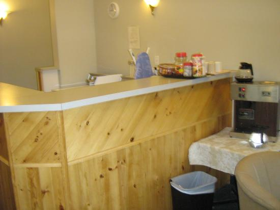Big Horn Motel: Shared Kitchen Part II