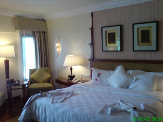 The laguna a luxury collection resort amp spa hotel room