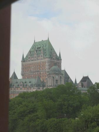 Hotel Le Germain Quebec : View of the Chateau from the room