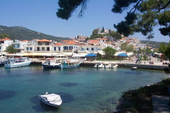 Skiathos town picture of zorbas in town family studios for Skiathos town hotels