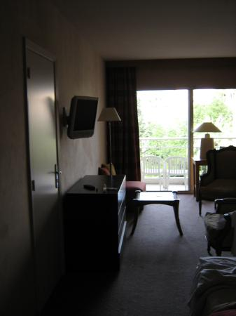 Holiday Inn Cannes : our room, with the unimpressive balcony