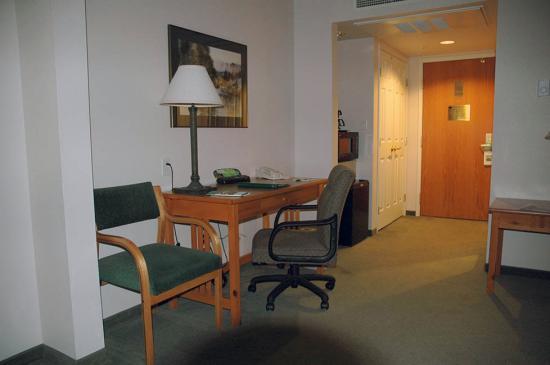 Holiday Inn Express Hotel & Suites Bozeman West: Office, closet, and entry, Bozeman Wingate Inn