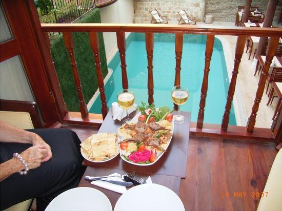 Mediterra Art Hotel : Dinner
