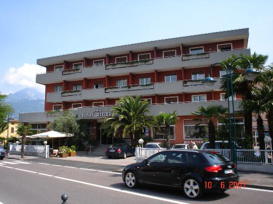 Hotel Riviera : Hotel Riveira, Riva Del Garda