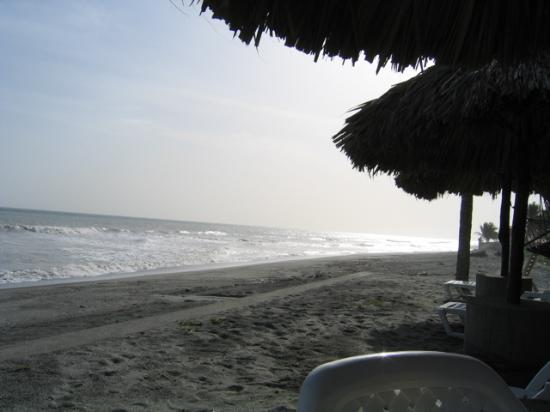 Las Hojas Resort & Club : Beach in front of Las Hojas