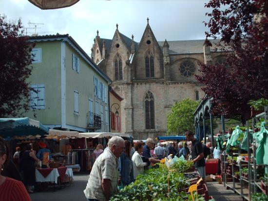 Montfaucon: Market Browsing