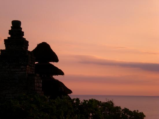 Ellie's: Uluwatu Temple at Sunset-must see!
