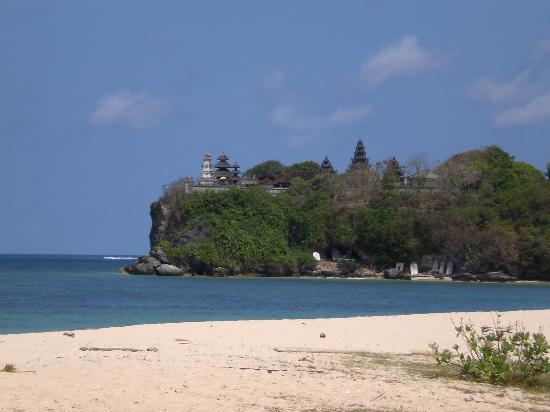 Ellie's: temple (uluwatu?) from gengar beach