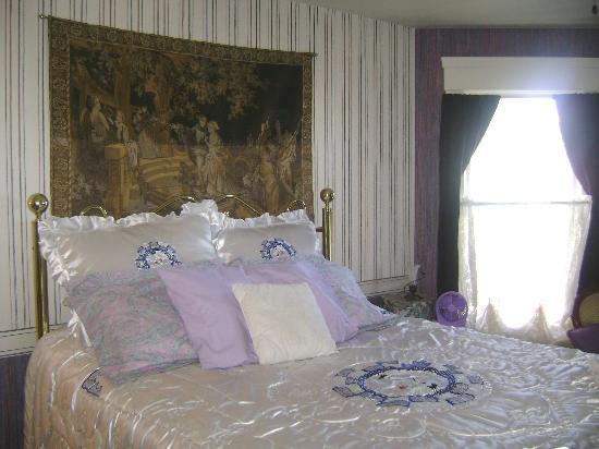 Michael's Inn : The Lavender Room