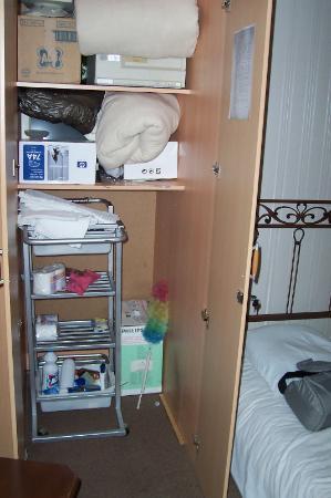 Boutique Villa Mtiebi : Here is my room/storage closet!