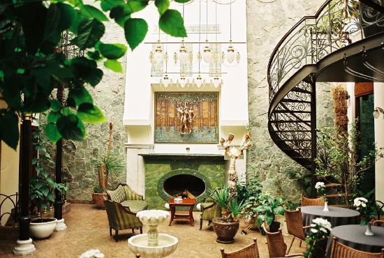 Boutique Villa Mtiebi : The tasteful, gorgeous lobby