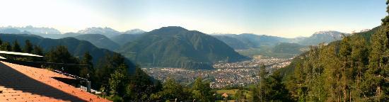 San Genesio Atesino, إيطاليا: Schoenblick-Belvedere: View from room of Bolzano and the surrunding mountains
