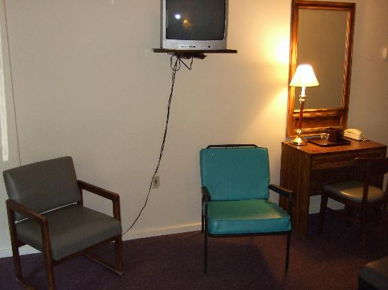 North Star Motel: room
