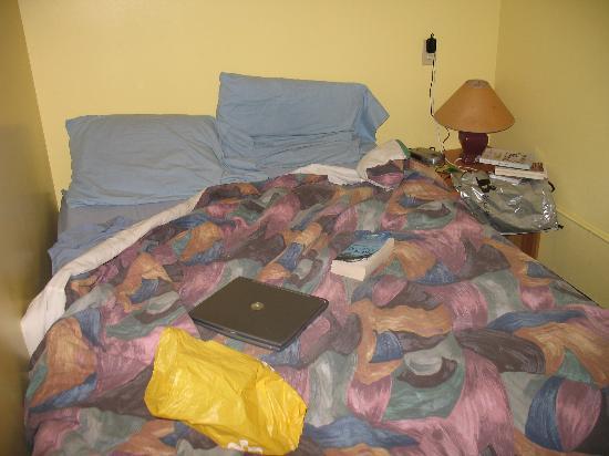 HI Victoria Hostel: Semi-private room