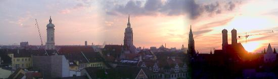 Mandarin Oriental, München: View of Munich from the Roof Top Pool