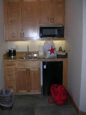 Bailey Creek Cottages #3 and #6: Kitchenette