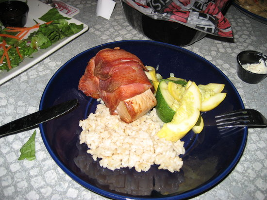 RockFish Boardwalk Bar and Seagrill: Bacon wrapped Ahi @ Rockfish