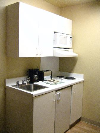 Extended Stay America - Austin - Round Rock - North: Kitchenette