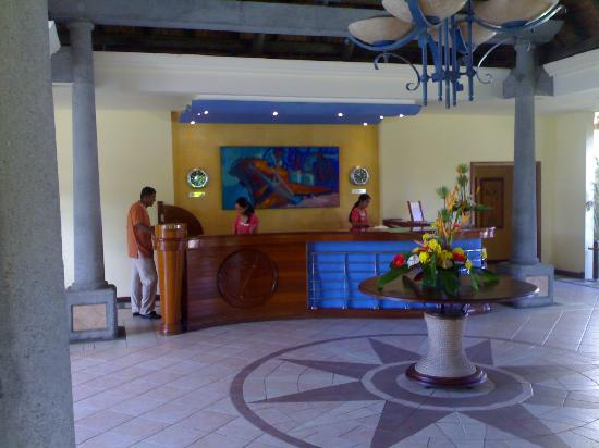 Sands Suites Resort & Spa: Lobby