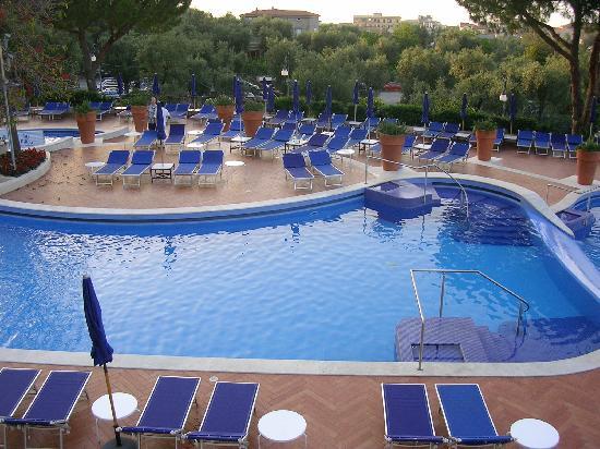Swimming pool picture of hilton sorrento palace - Hilton swimming pool ...