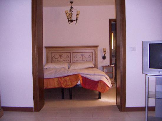 5295 Alla Casa sul Canale : Our spacious room