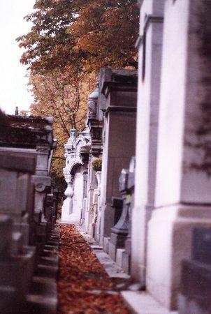 Friedhof Père-Lachaise (Cimetière du Père-Lachaise): Autumn
