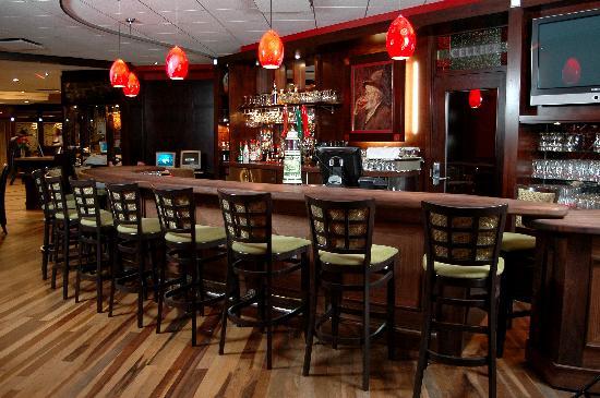 Hotel & Suites Le Dauphin Drummondville : Bar