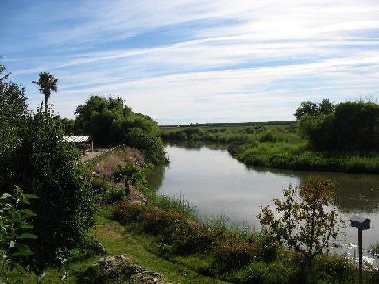 Firebaugh Riverfront Inn: San Joaquin River