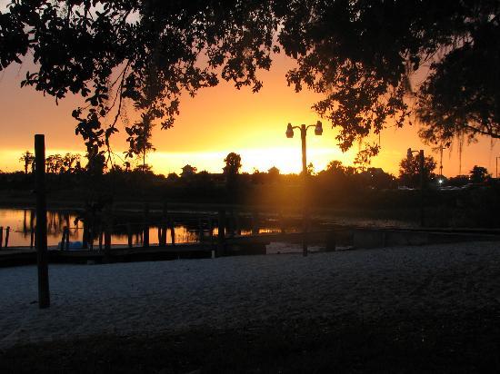 Grand Lake Resort: sunset pic 2