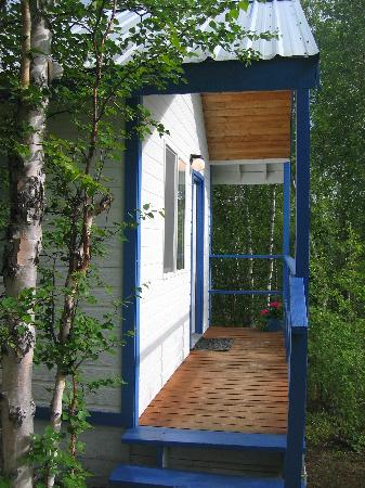 Ridgetop Cabins: Entrance to cabin