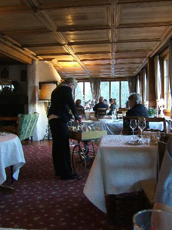 Hotel Alpenrose: Katrine in the restaurant with the cheese trolley