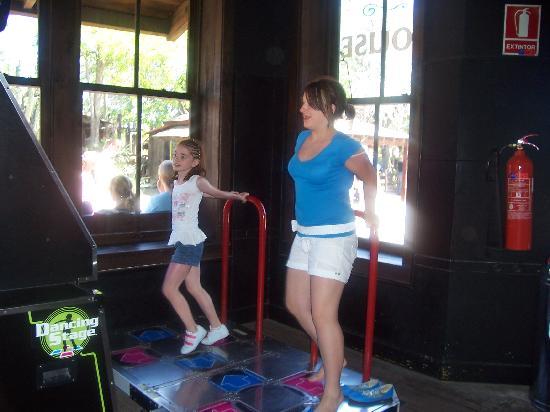 Santa Monica Playa: kelsey on dance mat