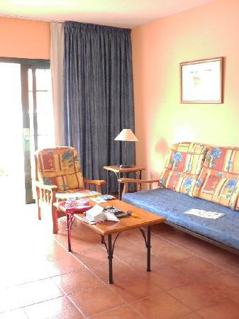 GF Isabel: Living room