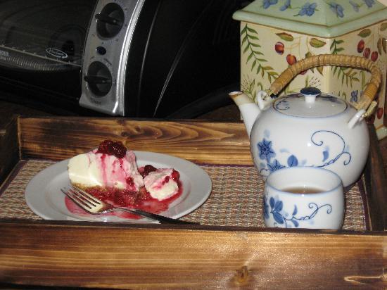 Grape Escape Guest House : Tea and dessert