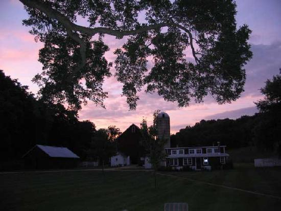 Sugar Grove Bed & Breakfast: Sunset