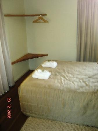 Whitsunday Organic B&B: Good size bedroom1