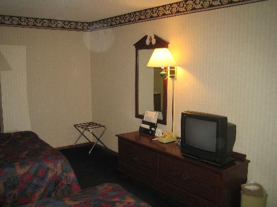 Econo Lodge - Crescent City: Hotel room