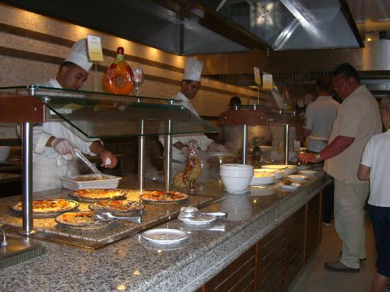 Vincci El Mansour: main restaurant cooking station