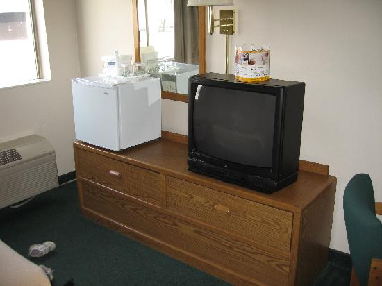 Motel 6 Waco - Woodway : TV and Mini-fridge
