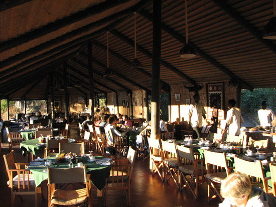 Ruaha River Lodge: Dinning area