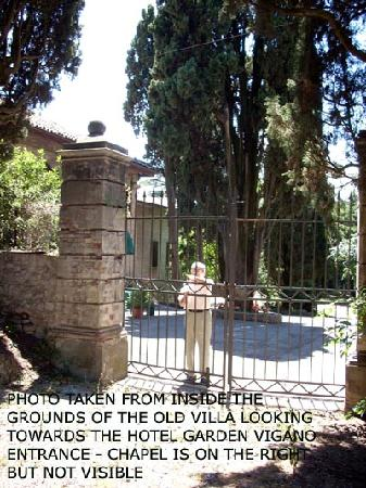 Hotel Garden Vigano: Take from the grounds of Villa Enrichetta - looking back towards the Hotel