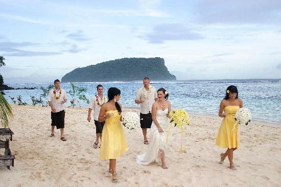 Litia Sini Beach Resort: just married- going off for formal photos