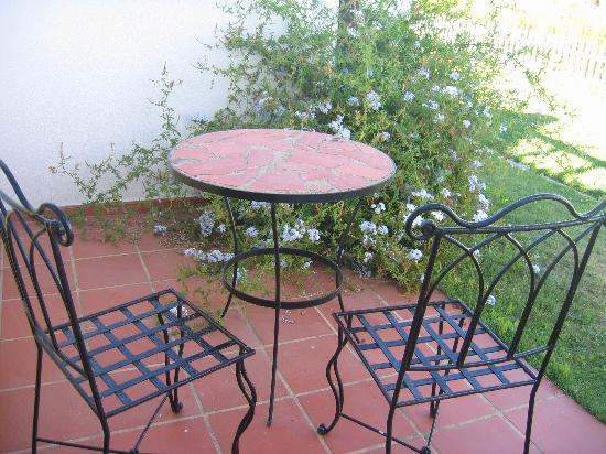 Hotel Rural de Lameira: Our mini terrace (with views of the lake & pool)