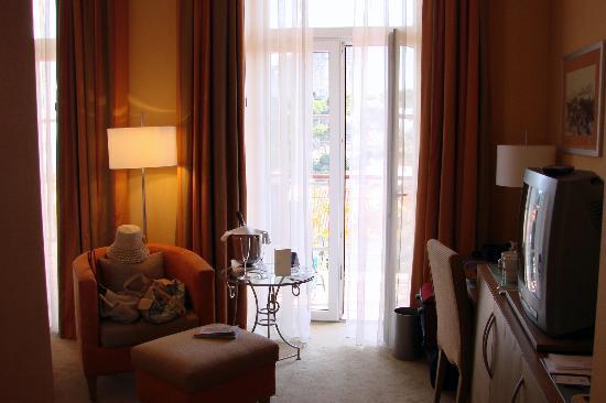 Hilton Imperial Dubrovnik: sitting area