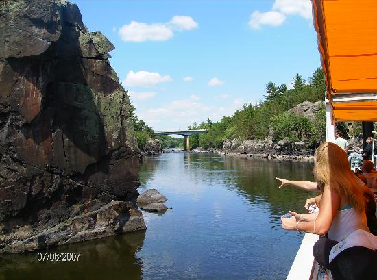Taylors Falls, Миннесота: view from the boat