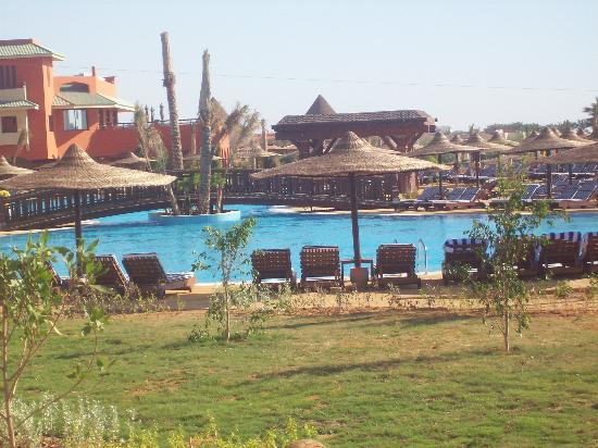 Coral Sea Holiday Village: pool