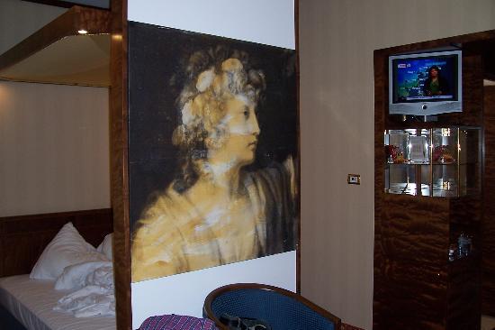 Derag Livinghotel Kanzler: Cool bed design.