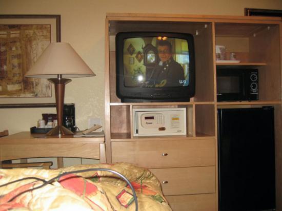 Best Western Plus Oceanside Inn: safe, fridge, microwave, HBo, free wireless